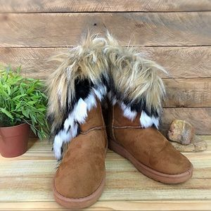 Fashion shearling boots with faux fur overhang
